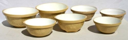 21: lot of 7 yelloware mixing bowls - various sizes