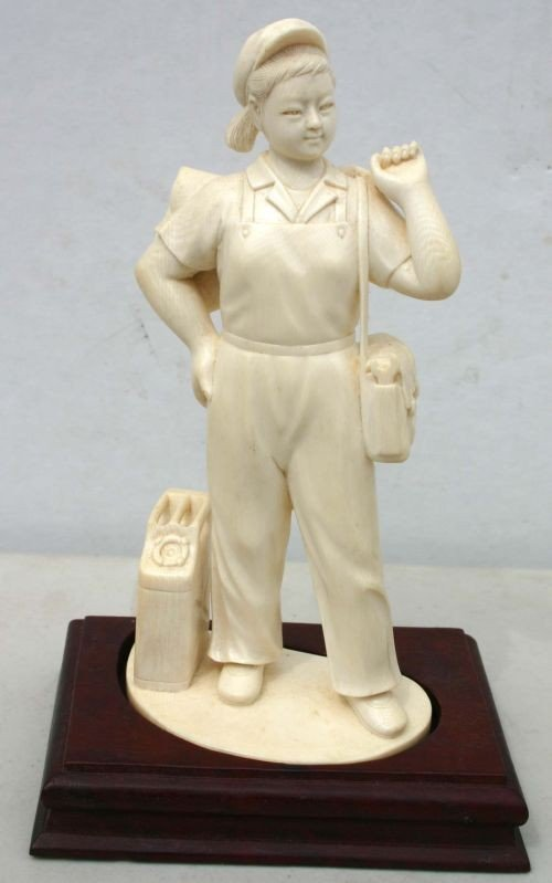 193: Fine carved Chinese ivory figure w jacket slung ov