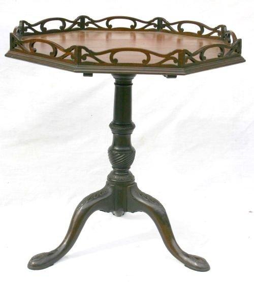 195: Great form ca 1750-1770 QA carved fine quality San