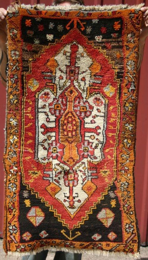 "5: 1'10""x 3'3"" semi-antique Turkish mat"