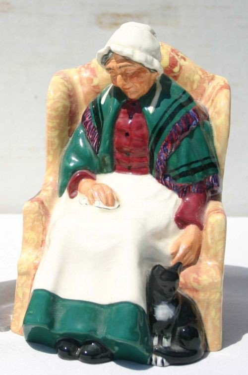 """3: Royal Doulton figurine HN1974 """"Forty Winks"""""""