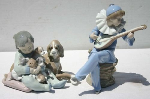 11: 2 figurines incl Nao by Lladro of a harlequin playi
