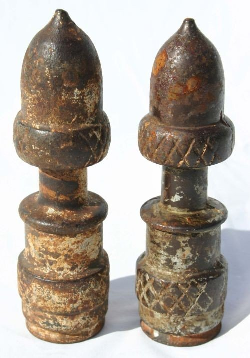 341: Early 19thC cast iron acorn fence post finials - 6