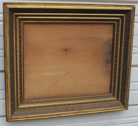 Nicely Carved Gold Gilt Laquered Frame - Overall