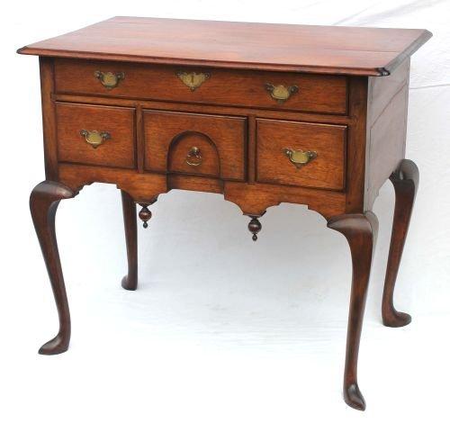 125: Important ca 1740-50 period Newport, RI walnut rar