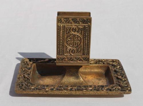 "239: sgnd Tiffany bronze ""Venetian"" pattern ashtray/mat"