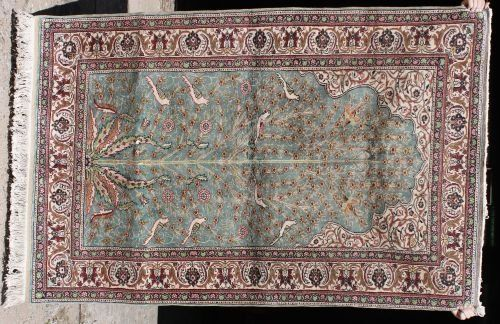 "14: 6'x3'10"" Art Silk Oriental area rug"
