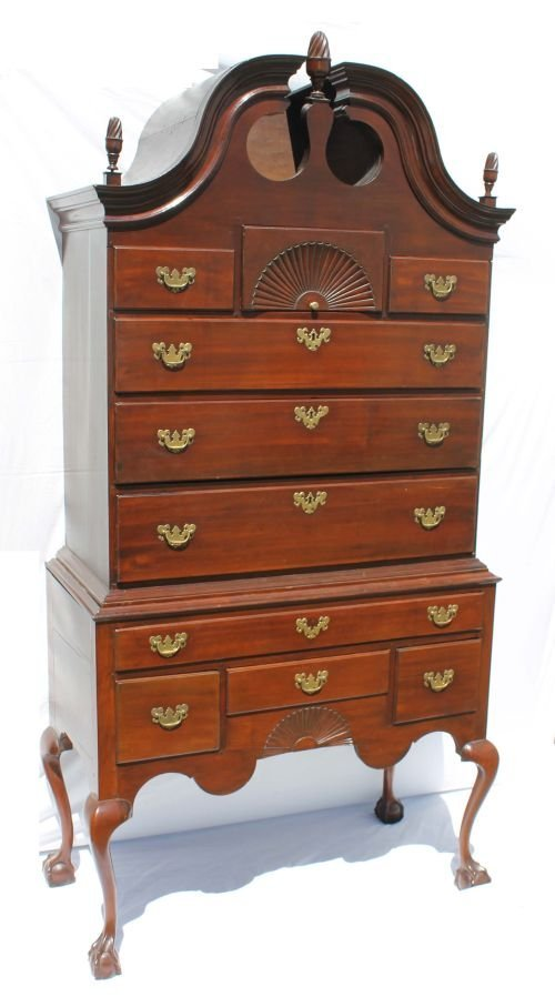 90: wonderful form 18thC Chippendale period MA (Probabl