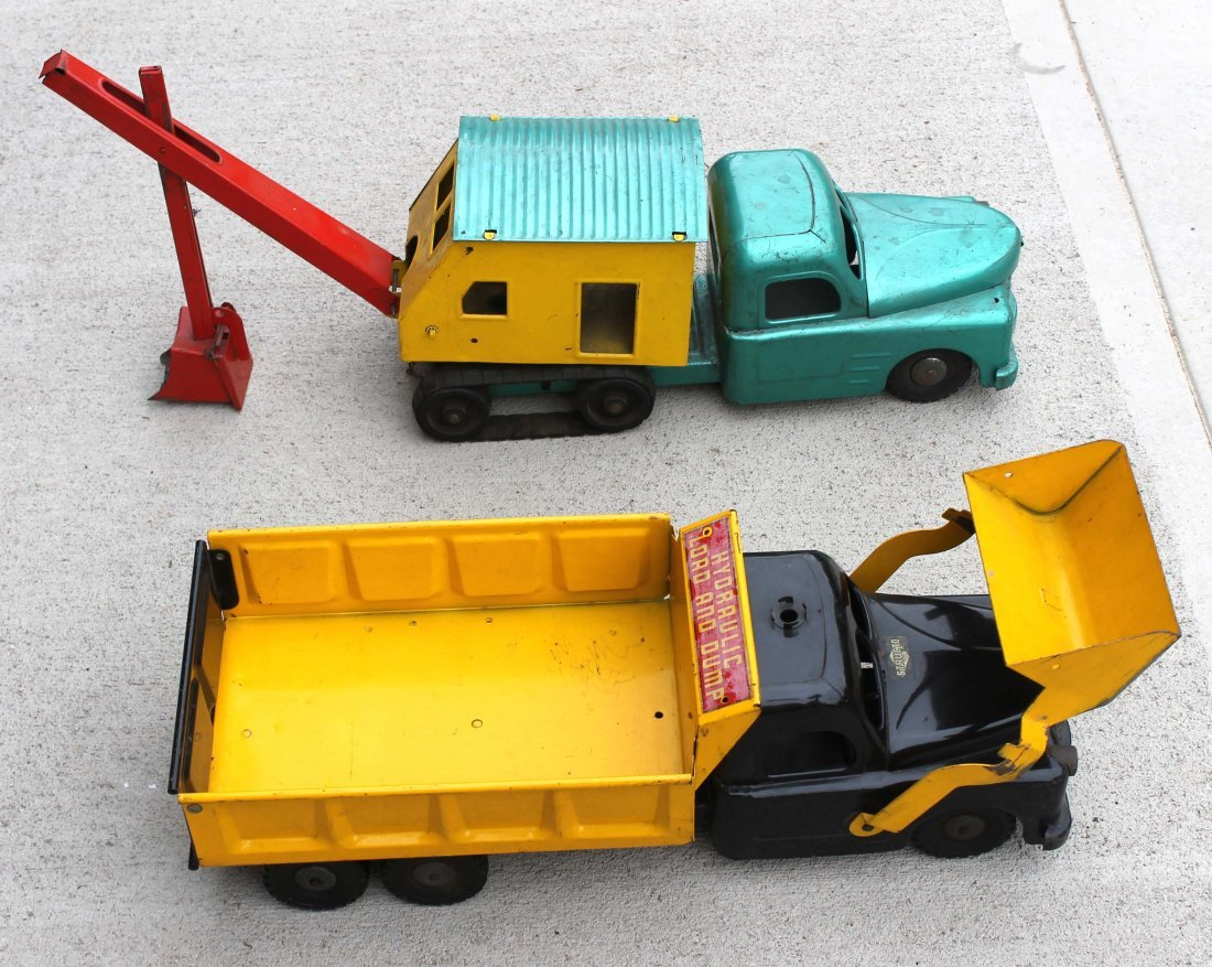 18: lot of 11 antique toy trucks by Wyandotte, Structo,