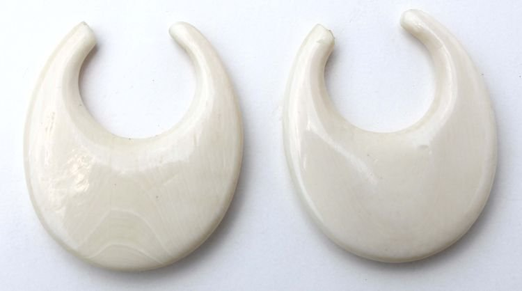 3: pr of Chinese carved ivory earrings (no clasps) - 1