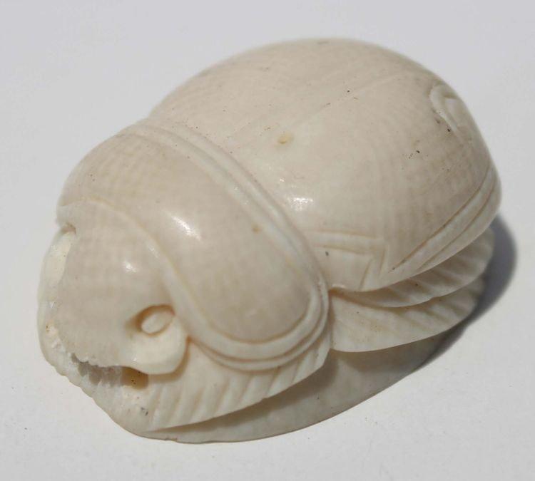 """20: Japanese carved ivory netsuke scarab - 1 1/4"""""""