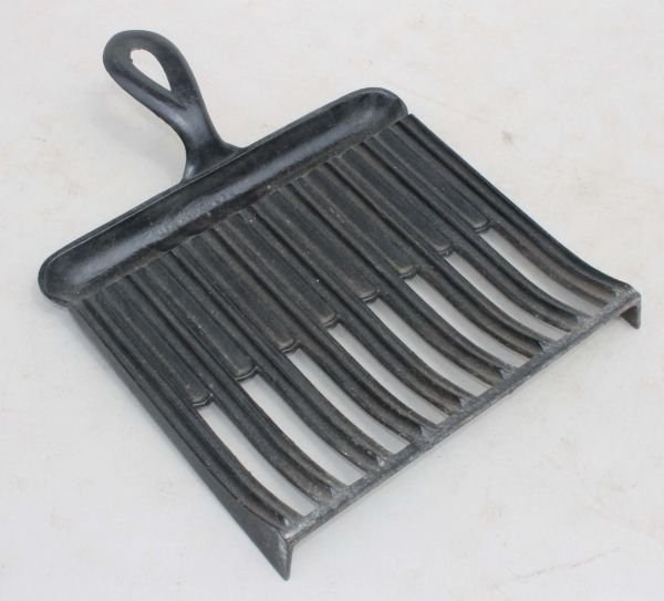 "3: ca 1775 cast iron griddle - 13 1/2"" long x 11"" wide"