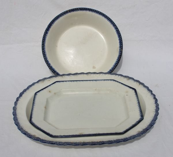 18: lot of 3 ca 1820 Leeds blue feather border serving