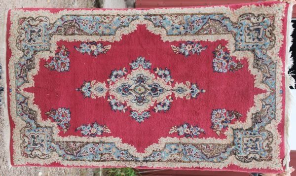 17: 3'x5' semi antique Persian Kirman Oriental area rug