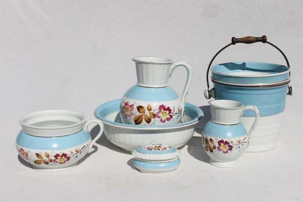 26: Victorian 6 piece blue & white porcelain wash set w