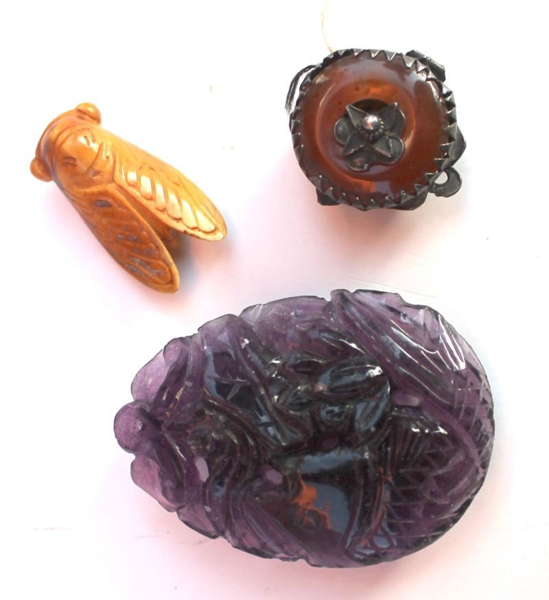 "23: 3 Chinese carved pieces incl amethyst 2"" fish penda"
