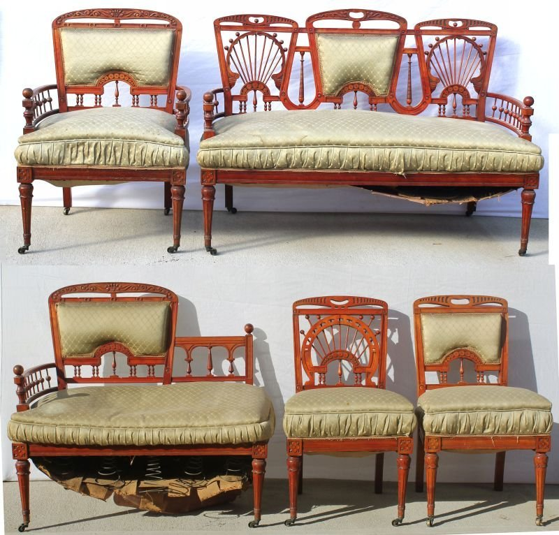 5 pc Victorian stick & ball mahogany carved parlor set
