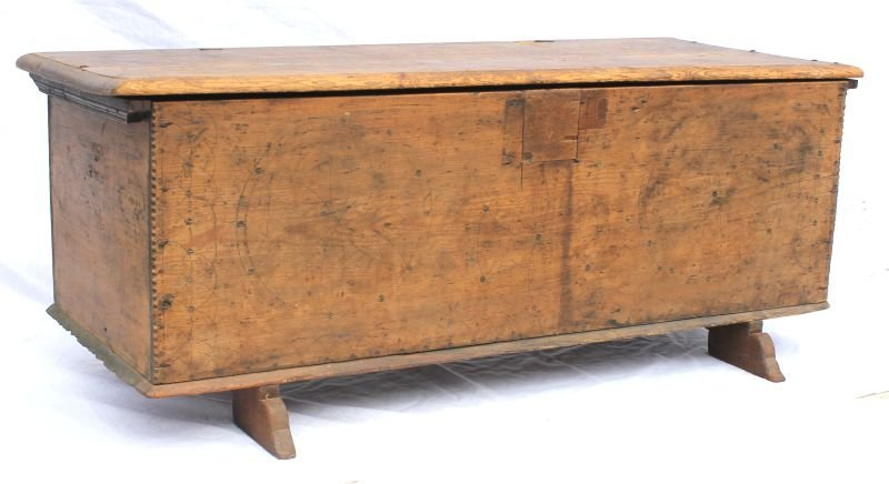 Important ca 1700-1710 scratch & chip carved hard pine