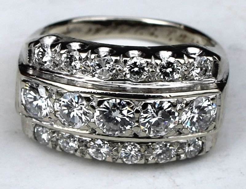 Beautiful 14k gold diamond ring w approx 2ct tw diamond