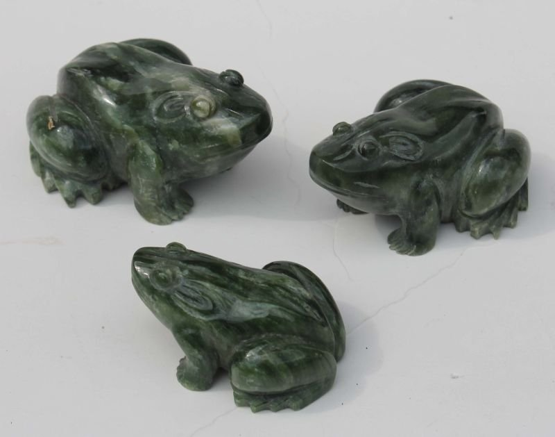 "3 Chinese carved jade frogs - 2 1/2"", 3 1/2"" & 4"" long"