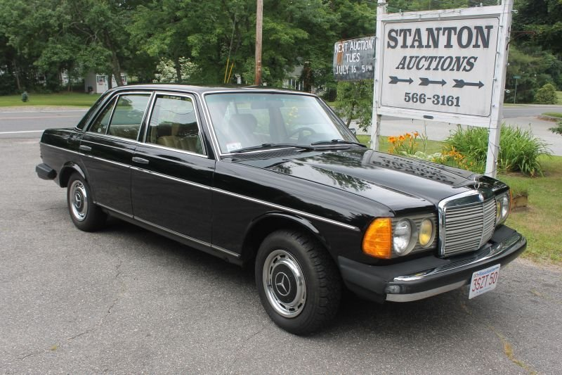 Outstanding 1 owner (John Bemben) 1982 Mercedes-Benz