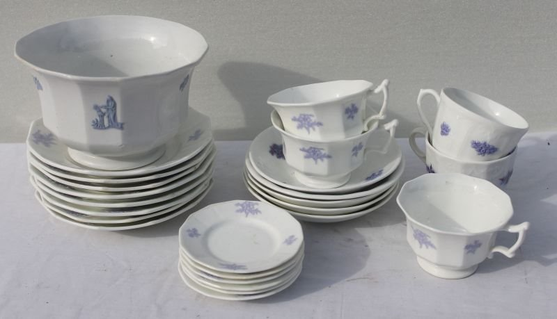 ca 1830's lot of 25 pieces of Chelsea china