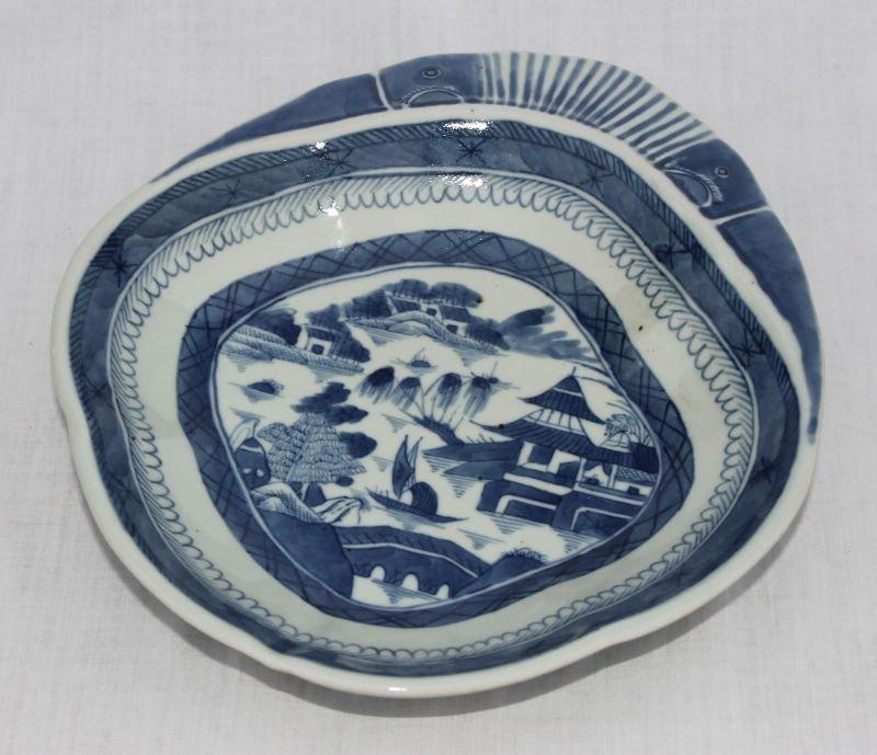 mid 19thC fine form Canton blue & white shrimp dish -