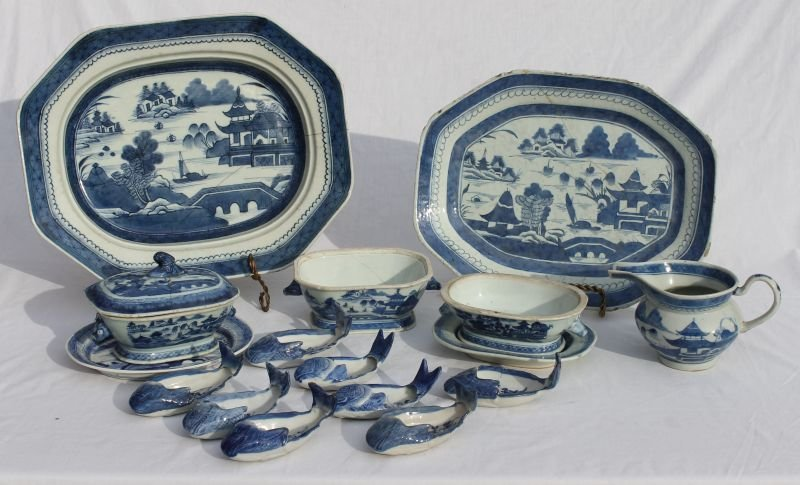 approx 44 pcs of antique Canton blue & white china incl