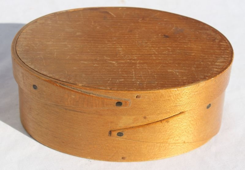Fine Shaker oval finger lapped box in orig surface - 5