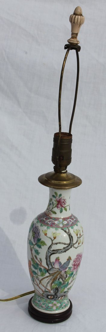 lot of 2 19thC Chinese Export porcelain lamps - height