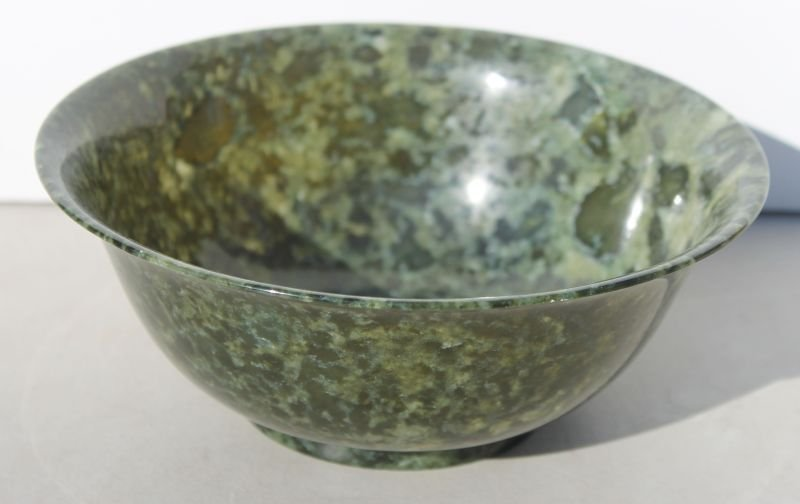 fine quality Chinese spinach jade bowl w flared rim -