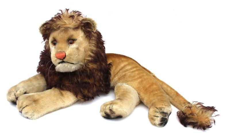 "Vintage Steiff mohair reclining lion w glass eyes - 20"""