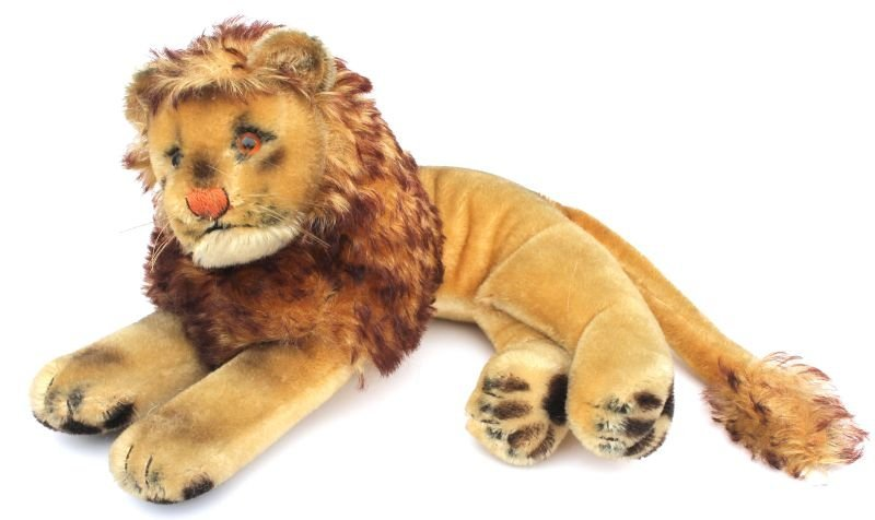 "Vintage Steiff mohair reclining lion w glass eyes - 12"""