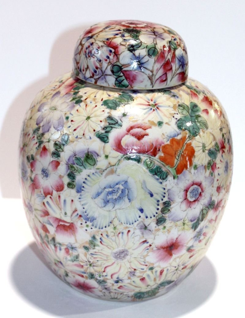 turn of the century Chinese porcelain ginger jar w