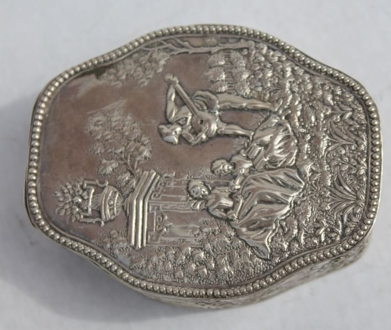 antique Continental .800 silver dresser box w figural &