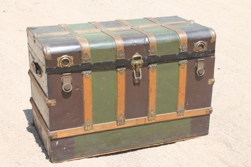 """lg Excelsior (Stamford, CT) early 20thC trunk - 44"""""""