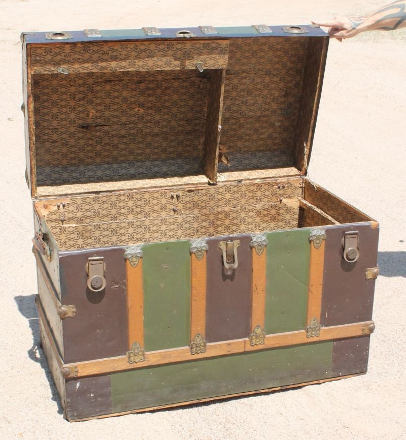 """lg Excelsior (Stamford, CT) early 20thC trunk - 44"""" - 4"""