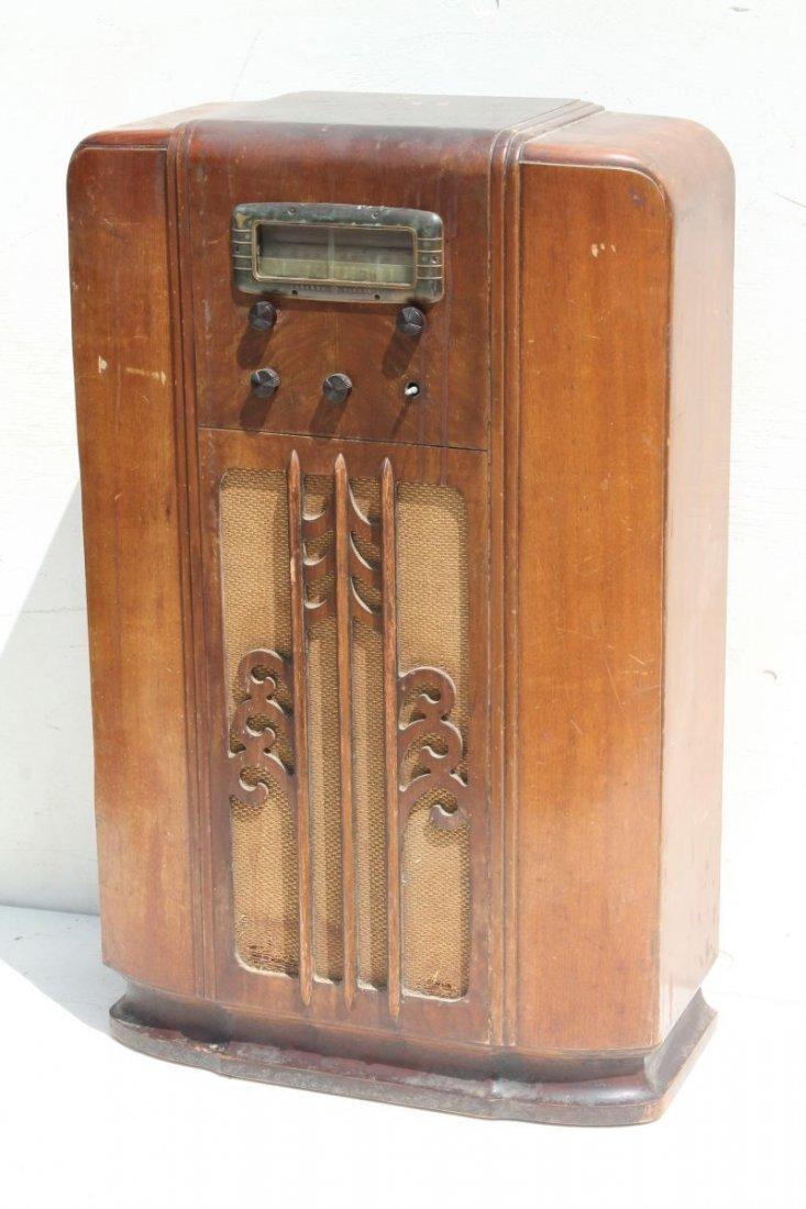 "General Electric Radio Bakelite Knobs Model E-105 - 40"""