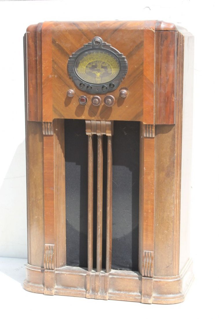 "Majestic Radio Model 1050... 43"" tall x 25 1/2"" wide x"