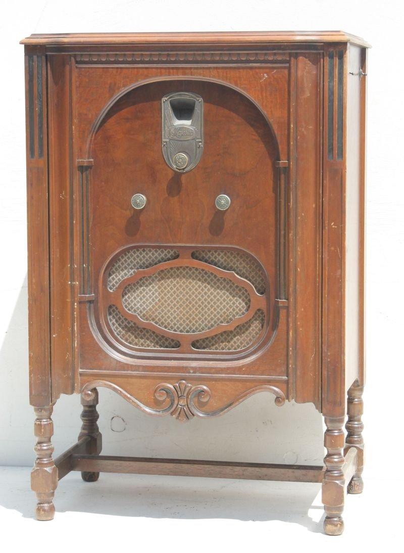 """Majestic Radio Model 90... 38"""" tall x 25 1/4"""" wide x 15"""