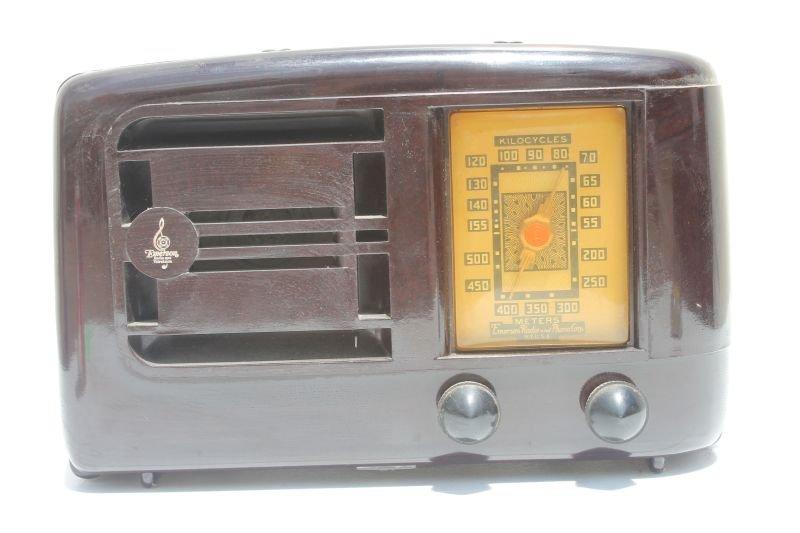 "Emerson Kilocycles Table Top Radio Bakelite Case- 7"""