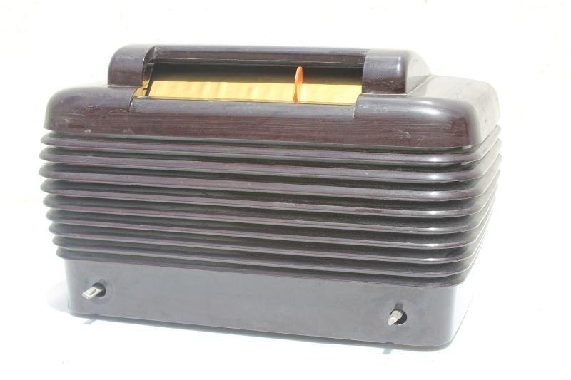 "Stomberg- Carlson Table Top Radio Bakelite Case- 7 1/2"""