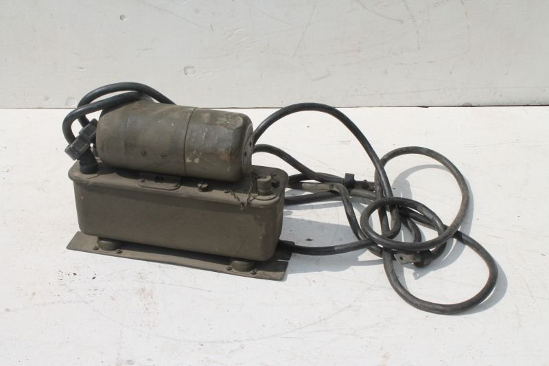 Military Signal Corps Power Unit PE-103-A by Ballantine