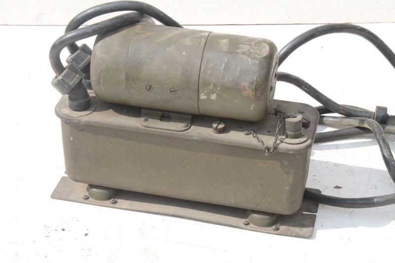 Military Signal Corps Power Unit PE-103-A by Ballantine - 2