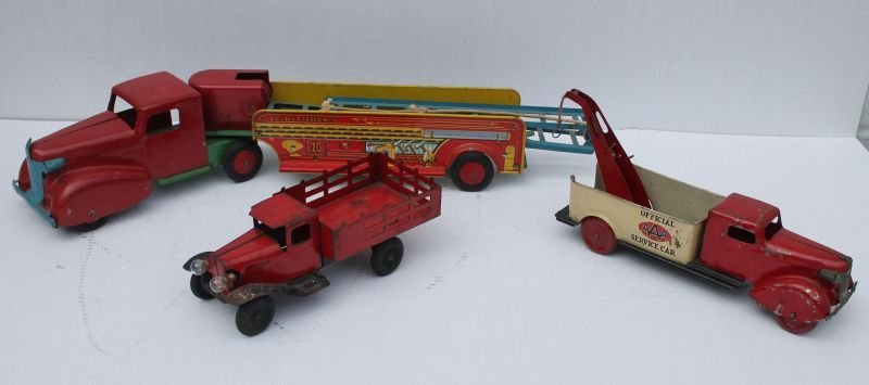 """Lot of 3 early Wyandotte trucks incl a 27"""" long """"Hook"""