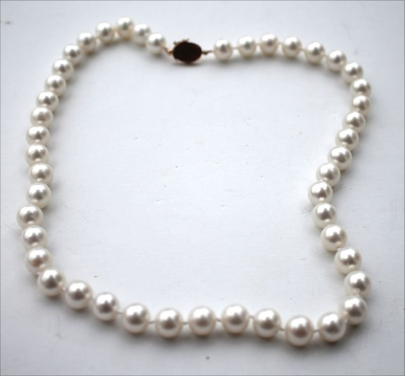 Japanese salt water pearl necklace w 14k gold clasp -