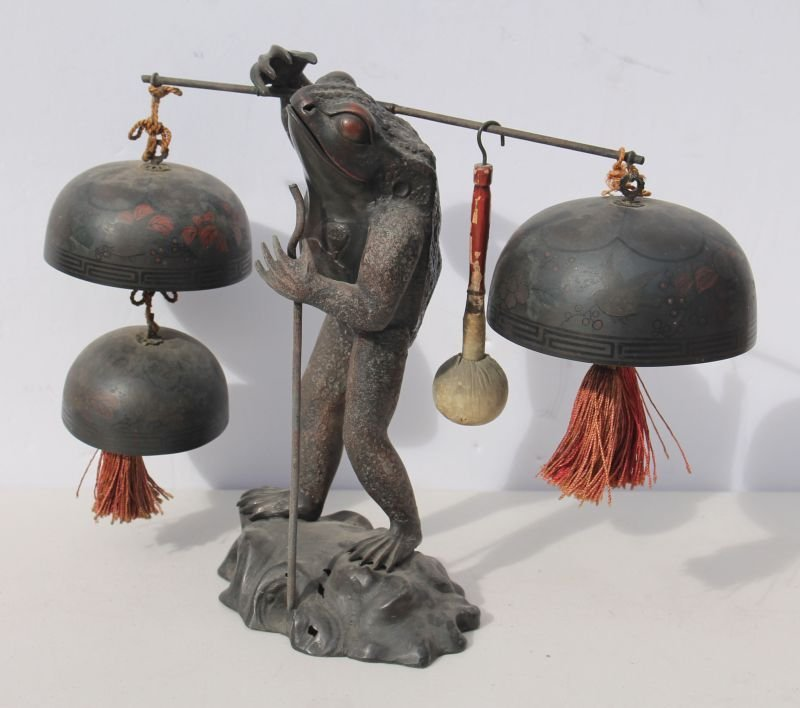 19thC Chinese bronze & spelter frog figural triple gong