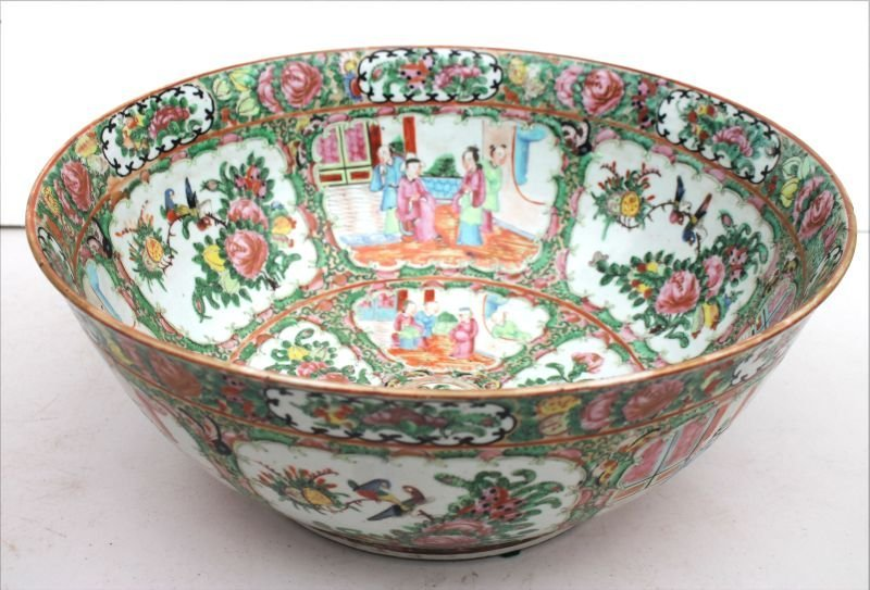 "Fine large 19thC Rose Medallion bowl - 14 1/2"" diam x 6"