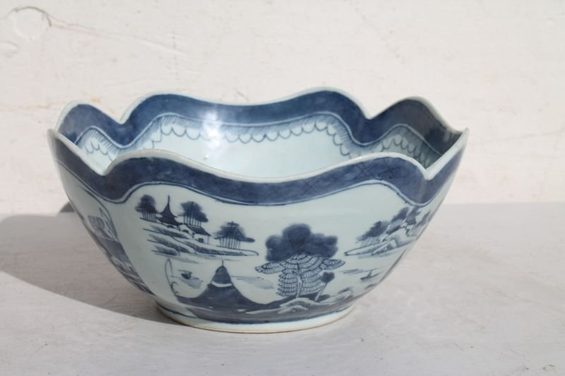 early 19thC Chinese Export Canton blue & white