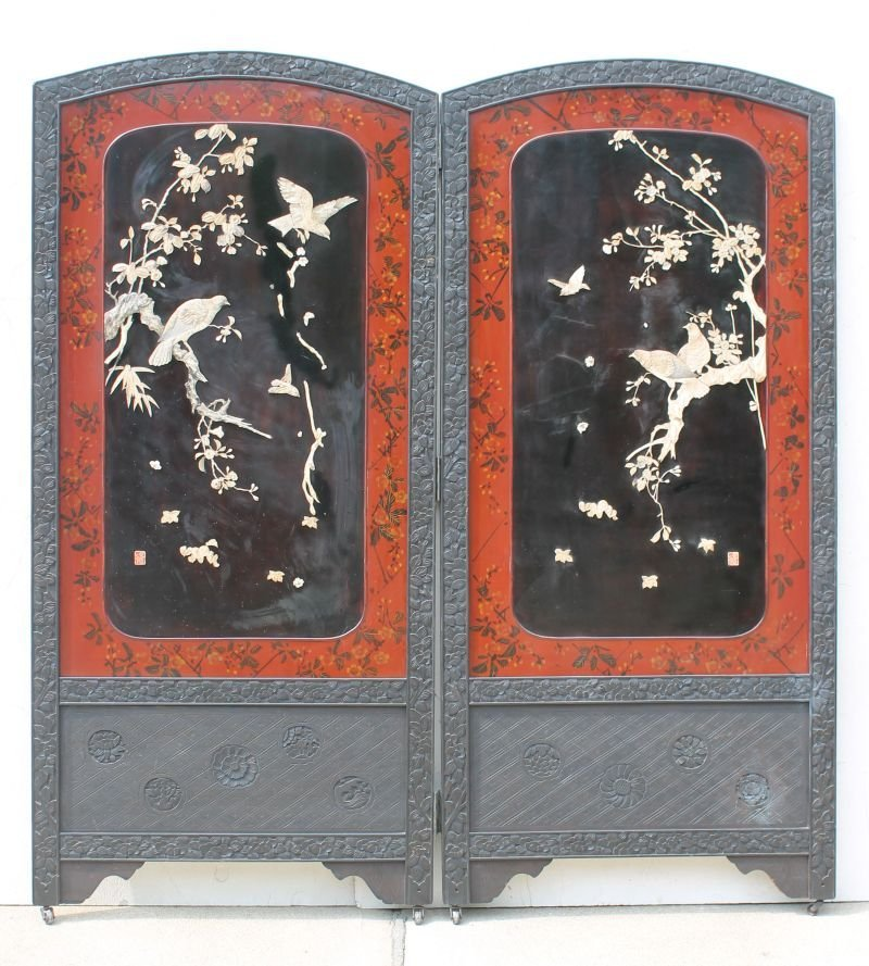 Fine large 19thC Chinese 2 panel lacquer screen w bird